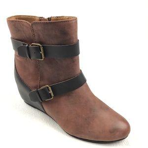 COMFORTIVA Ramika ankle boots 8.5 mahogany brown